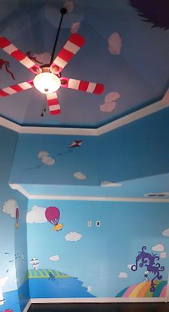 sky-mural-seuss-001_0