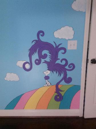 sky-mural-seuss-003_1